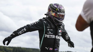 Lewis Hamilton celebra la victoria en el GP de Bélgica 2020.