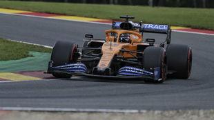 Carlos Sainz, sobre su McLaren, el sábado.