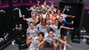 Las jugadoras del Olympique Lyonnais celebran una victoria en el Reale...