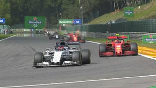 Leclerc y Vettel, por detrás de Kvyat durante el GP de Bélgica.