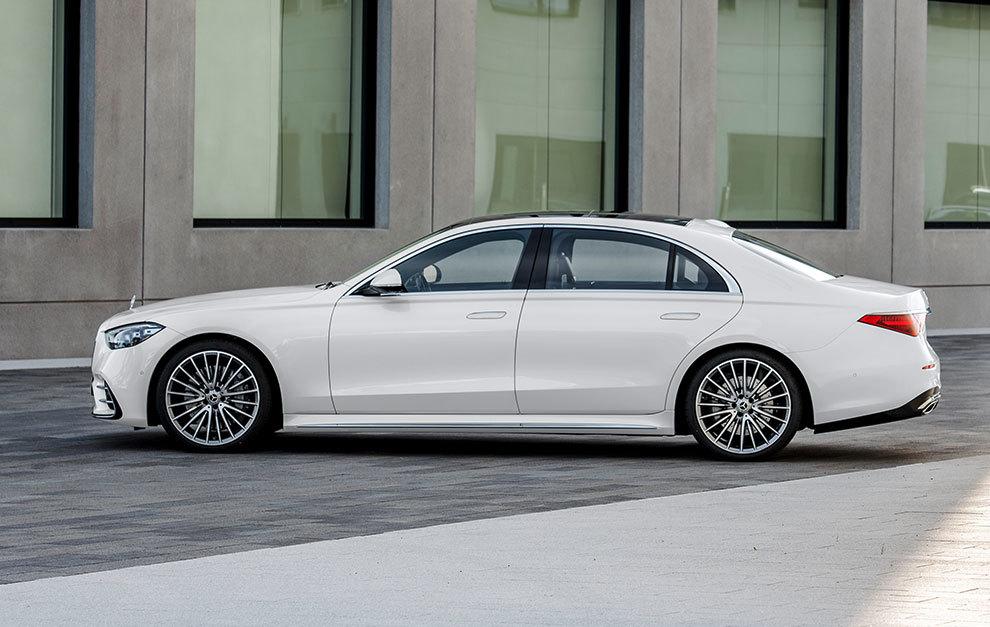 La línea es casi la de un coupé de cuatro puertas.