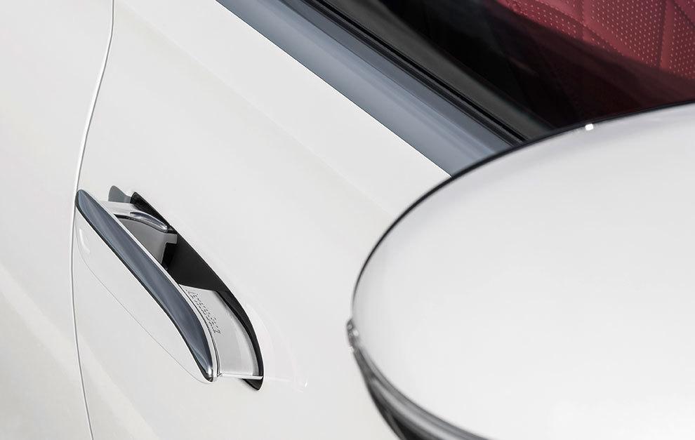 Los tiradores de puertas enrasados contribuyen al gran coeficiente aerodinámico de 0,22.