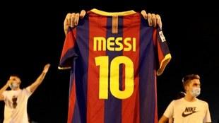 Aficionado junta dinero para contratar a Messi.