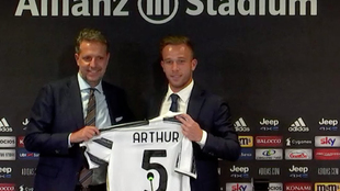 Arthur Melo, durante su presentación como nuevo futbolista de la...