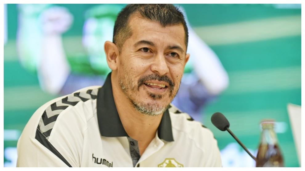 Jorge Almirón, durante su presentación como nuevo técnico del...