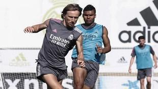 Modric se 'moja': la salida de Messi y el adiós de Cristiano, la situación de Bale...
