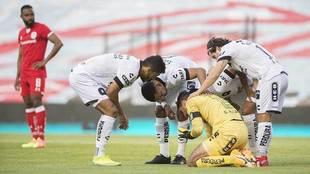 Alcalá fue atendido, y terminó de disputar el partido.