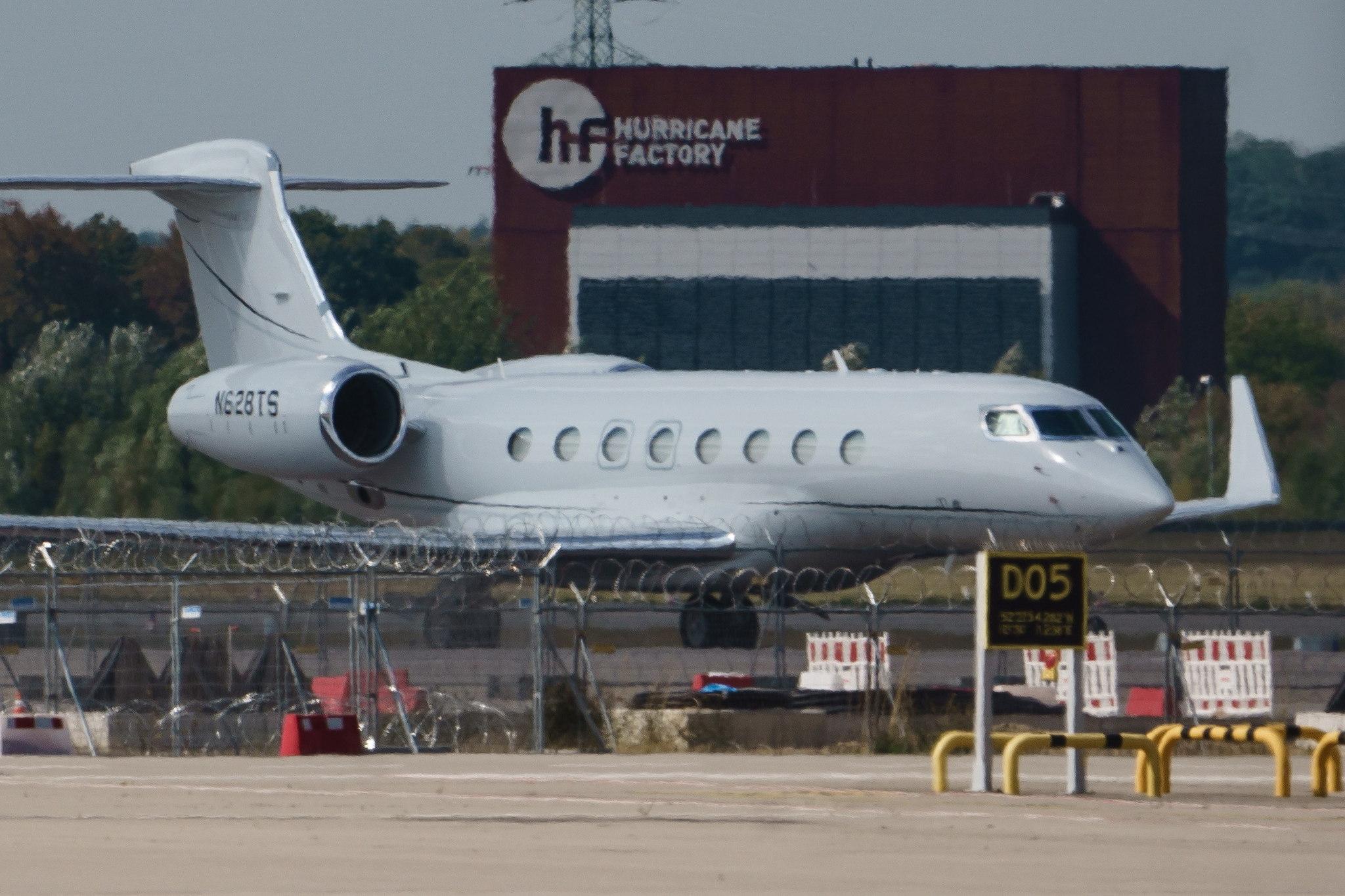 El Gulfstream G650 de Musk no se fue de Berlín definitivamente...
