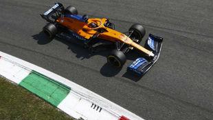 Carlos Sainz, con el McLaren MCL35, en el Gran Premio de Italia 2020.