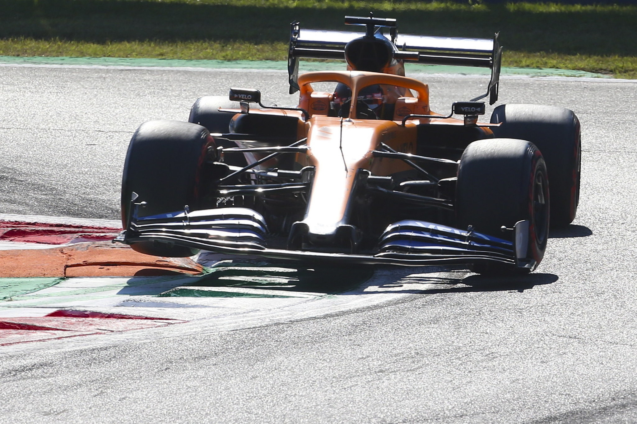 Monza (Italy), 05/09/2020.- Spanish Formula One driver Carlos lt;HIT gt;Sainz lt;/HIT gt; of McLaren in action during the qualifying session of the Formula One Grand Prix of Italy at the Monza race track, Monza, Italy 05 September 2020. The 2020 Formula One Grand Prix of Italy will take place on 06 September 2020. (Fórmula Uno, Italia) EFE/EPA/Matteo Bazzi / Pool