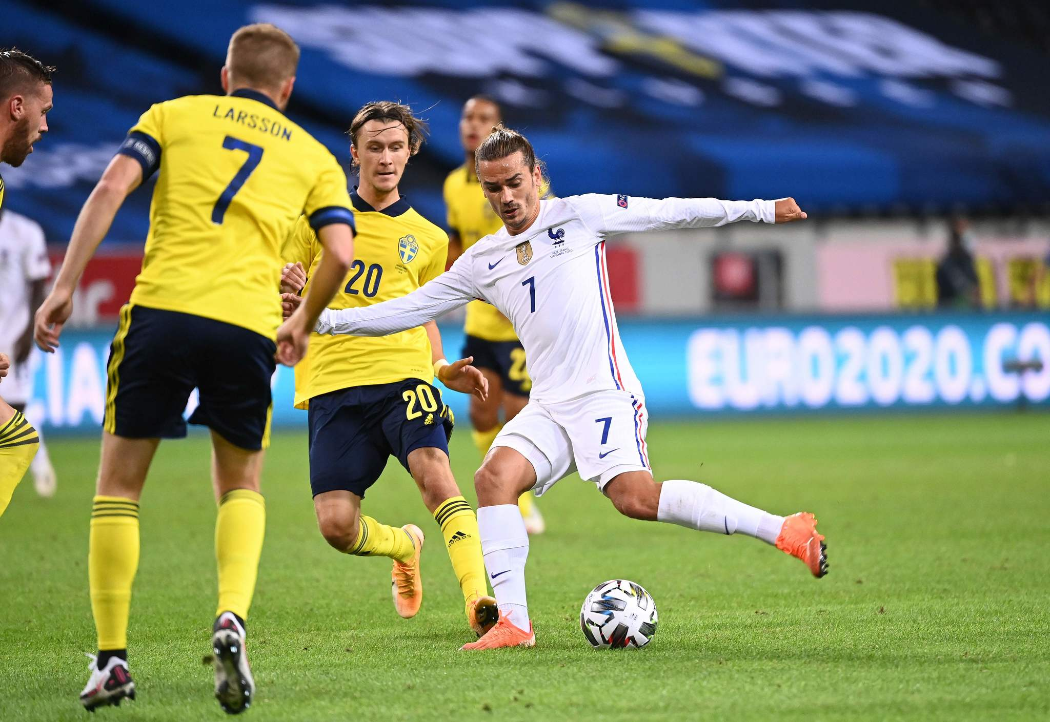 Frances forward Antoine lt;HIT gt;Griezmann lt;/HIT gt; (R) turns past Swedens midfielder Kristoffer Olsson to shoot during the UEFA Nations League football match between Sweden and France on September 5, 2020 at the Friends Arena in Solna, near Stockholm. (Photo by Jonathan NACKSTRAND / AFP)