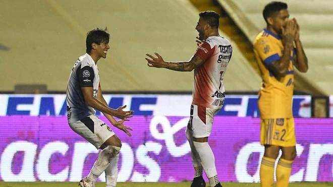 Tigres vs Chivas: Antuna y Macías se reencuentran con el gol y agudizan la  crisis de Tigres | MARCA Claro México