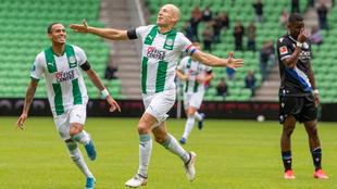 Arjen Robben regresa al Groningen y anota gol.