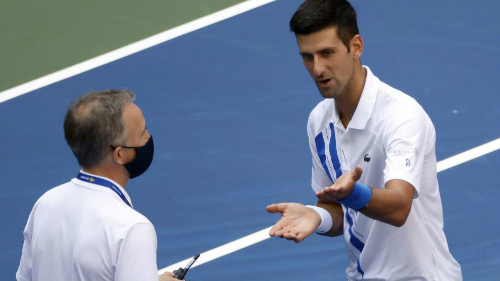 Us Open 2020 Soeren Friemel El Arbitro Que Descalifico A Djokovic Impacto Directamente En El Cuello De La Juez Y Le Hizo Dano Marca Com