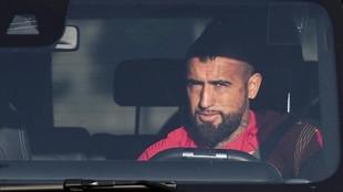 Arturo Vidal, en su coche.