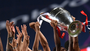 Trofeo de la UEFA Champions League.
