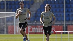 Modric y Bale en un entrenamiento en Valdebebas.