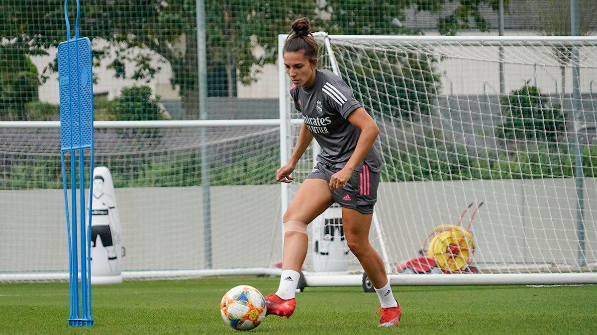 Marta Cardona durante un entrenamiento con el Real Madrid.