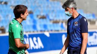 Imanol habla con Oyarzabal, en un entrenamiento de esta semana.
