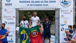 Guillem Pujol, a la derecha, en el podio de la prueba masculina