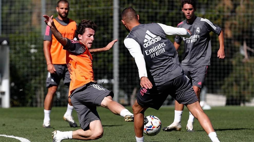 Le grand défi d'Odriozola: convaincre Zidane et rivaliser avec Carvajal
