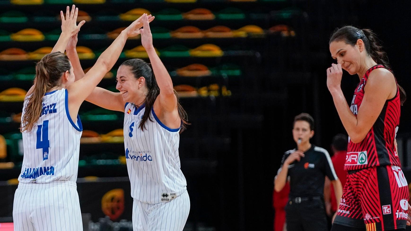 Leonor Rodríguez y Maite Cazorla celebran el triunfo ante Sonja...