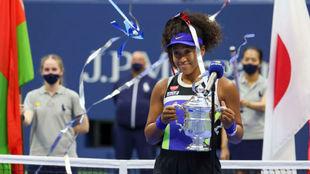 Osaka, con el trofeo de campeona del US Open