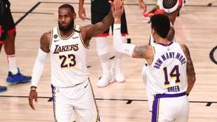 Los Lakers eliminan a los Rockets.