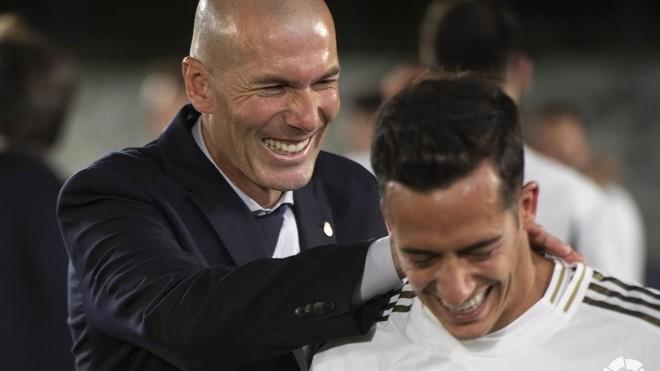Zinedine Zidane et Lucas Vazquez
