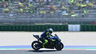 Valentino Rossi, delante de sus fans en Misano.