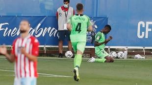 Tahiru celebra el gol que abrió el triunfo del Fuenlabrada contra el...