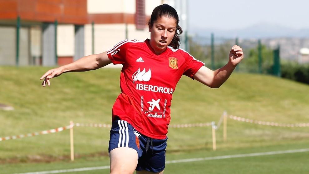 Ainize Barea 'Peke' durante un entrenamiento en Las Rozas.
