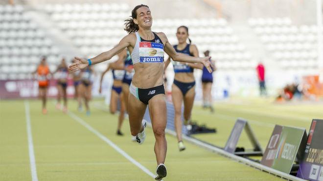 Esther Guerrero celebra el triunfo en 1.500