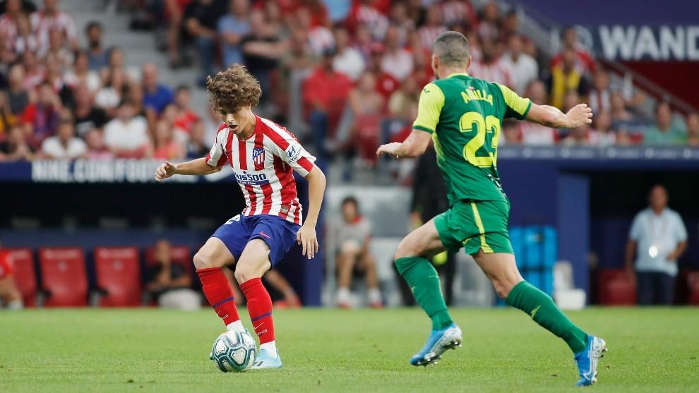 Riquelme, el día de su debut oficial con el Atlético frente al...