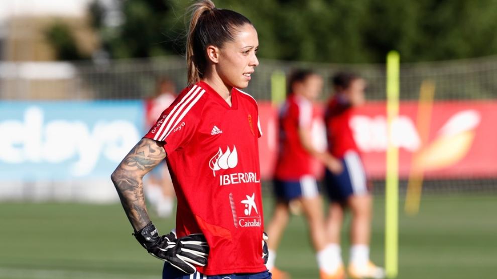 Lola Gallardo deja la concentración de la Selección Española
