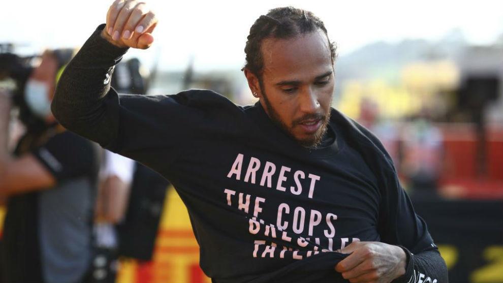 FIA open investigation into Lewis Hamilton's t-shirt