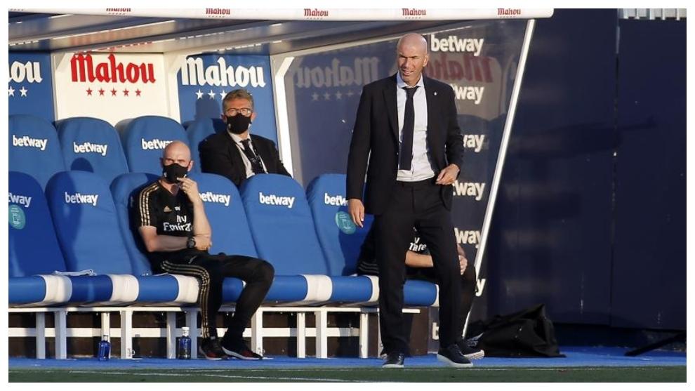 Zidane, en el banquillo de Butarque durante el Leganés-Madrid de la...