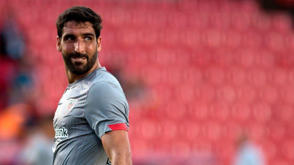 Raúl García, en un momento del partido del estreno de Liga ante el...