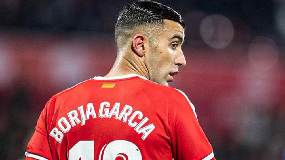 Llega Borja García, se va Jovanovic