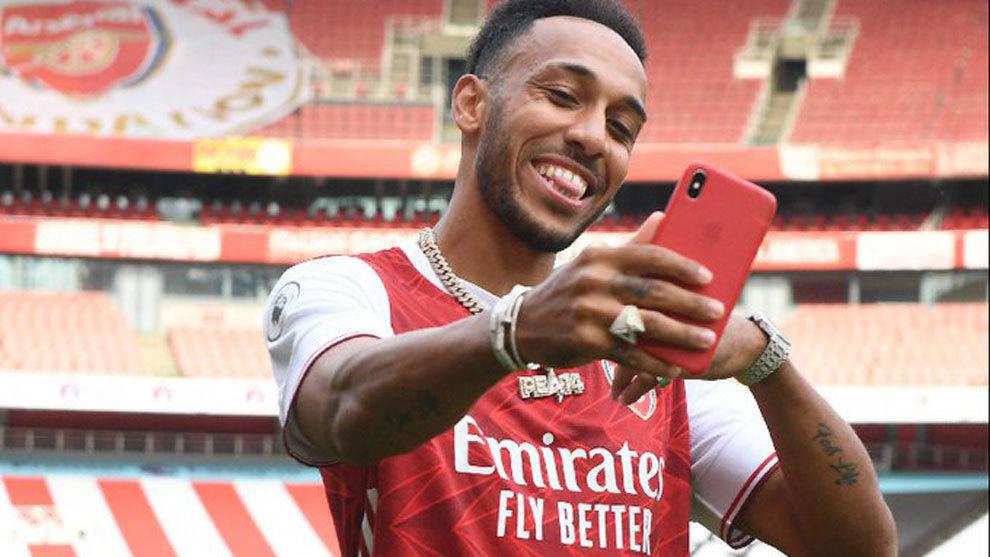 Aubameyang renueva con el Arsenal hasta 2023