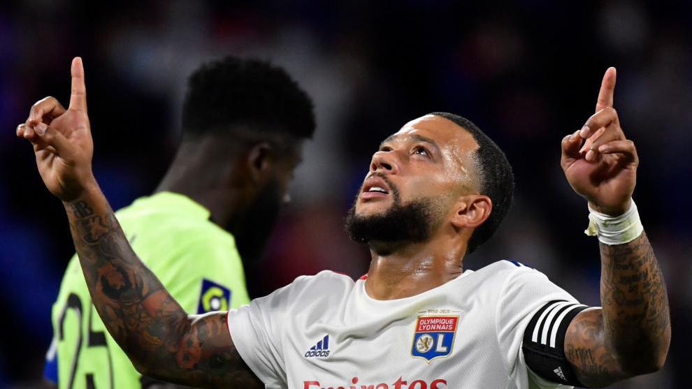 Lyon president Aulas: Bartomeu told me that Barcelona can't afford to make an offer for Depay