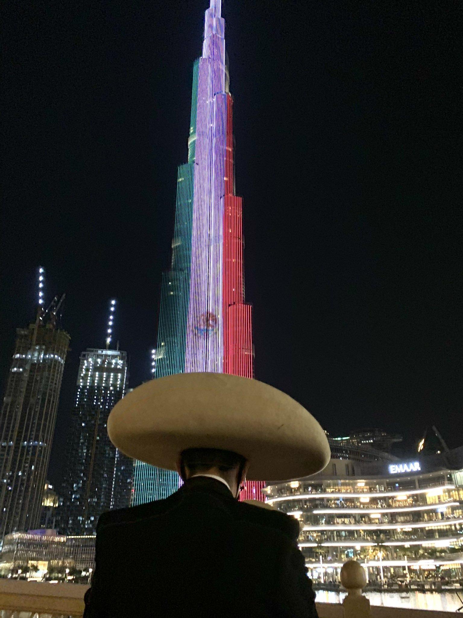Noche mexicana: La Torre Burj Khalifa de los Emiratos Árabes se pinta con la bandera de México | MARCA Claro México