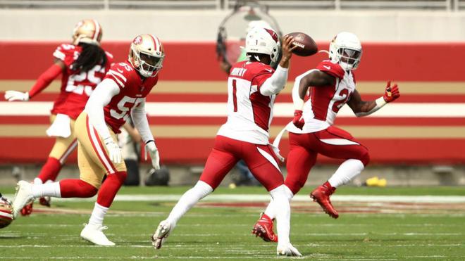 Una imagen del partido entre los 49ers y los Cardinals en el que Baker...
