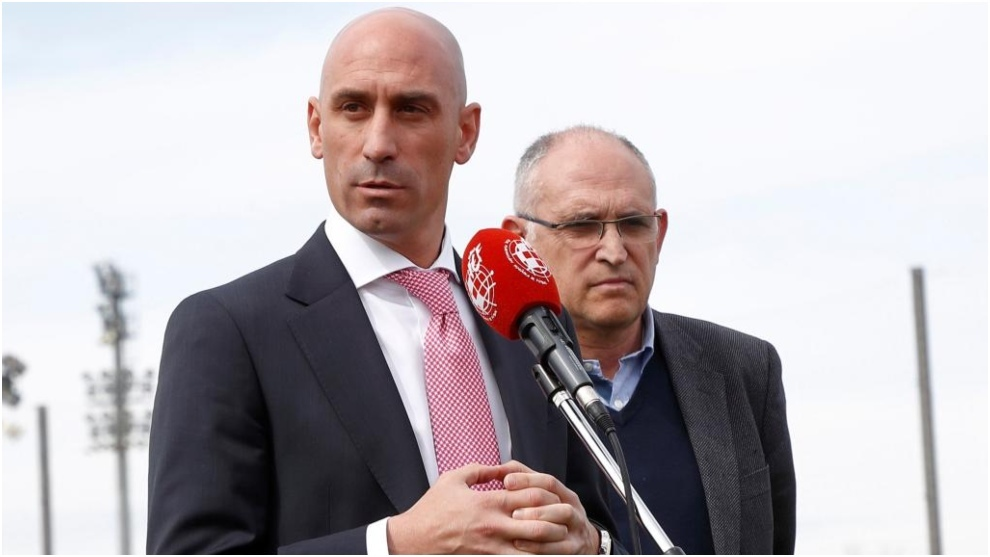 Judge allows Fuenlabrada lawsuit against Luis Rubiales to continue