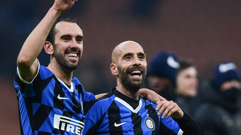 Borja Valero y Diego Godín con el Inter de Milán en la Copa Italia