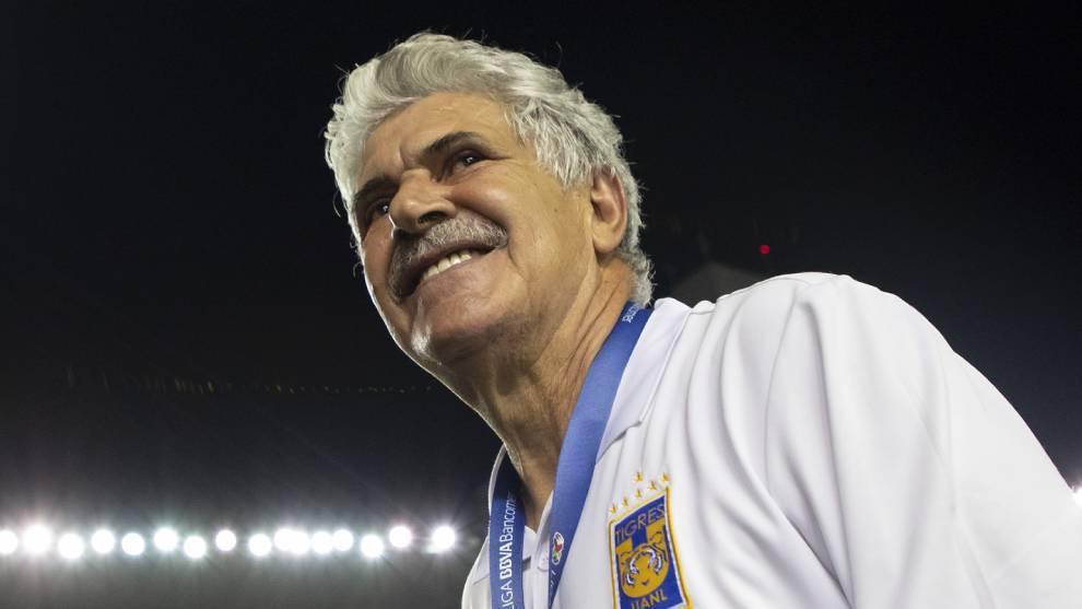 Tuca Ferretti tiene siete títulos de Liga MX