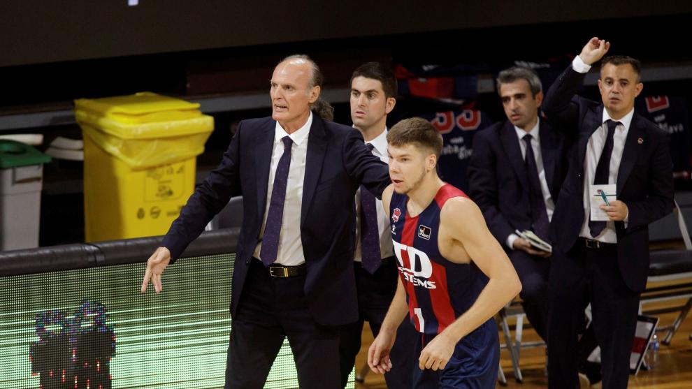 GRAF3656. LA LAGUNA, 12/09/2020.- El entrenador del lt;HIT gt;Baskonia...