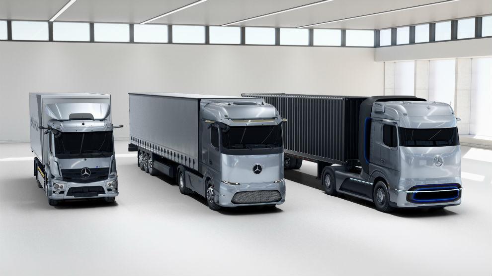 De izquierda a derecha: el modelo eléctrico con autonomía de 200 km, el que alcanza los 500 y el de pila de combustible de 1.000 km.