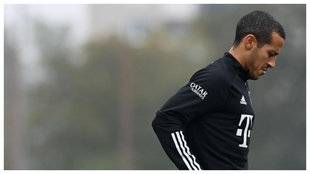 Thiago Alcántara, en un entrenamiento con el Bayern.