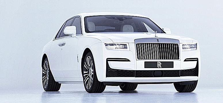 El Rolls-Royce Ghost.